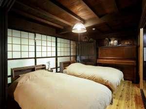 1日1組限定の古民家宿 こころの里 懐:寝室ツインベッド