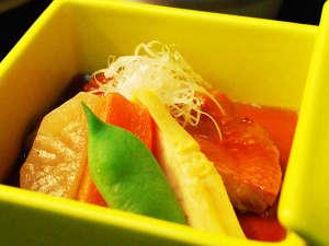 源泉かけ流しの宿 石廊館:日本一のキンメの港を擁する当地の定番、金目鯛煮付も石廊館流。技量尽くして煮付けます