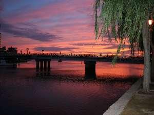 松江大橋の夕景