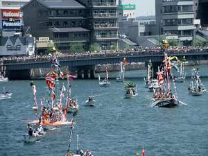 今年2009年に行われる日本3大船神事「ホーランエンヤ」のひとコマ。