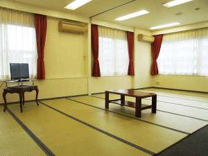 エスカル神戸:○5~10名様までご利用頂ける和室16畳。グループ様でのご利用に最適です。(アウトバス・アウトトイレ)