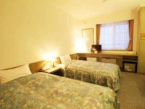 小さなホテル 燈:*【部屋・洋室】ヘルスウッド使用のベッドで旅の疲れも癒せます。