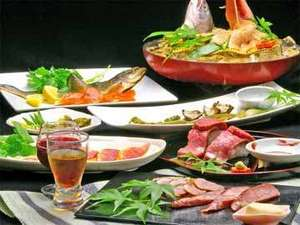 宝船温泉 湯元 ことぶき :≪ご夕食例≫滋賀の季節の地物を使った珍しい料理が、ところ狭しと並ぶお食事。個室にてのんびりと★