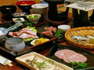 宝船温泉 湯元 ことぶき :口コミ好評価!近江牛&琵琶湖の幸満載ボリューム満点の朝ごはん★コーヒーとデザートも付いています