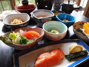 清水屋旅館:朝食のイメージです。自慢の朝ごはんを存分にどうぞ!