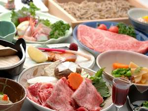 銀山温泉 御宿 やなだ屋:尾花沢市内の肉屋さんで育てた牛を使用し、美味しい地元の素材満載!11月はツヤツヤ新米や新蕎麦も◎