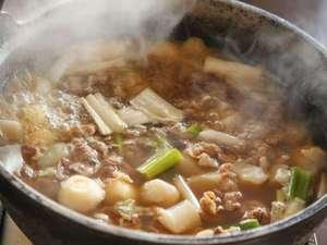 ホテルキャッスル(山形):朝食バイキング 山形郷土料理の芋煮