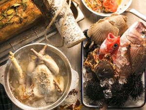 ザ レイクビュー TOYA 乃の風リゾート :【12~2月限定】伊達産鶏肉や道産ポーク、噴火湾魚介の旨みが効いたご馳走メニューがブッフェに登場!