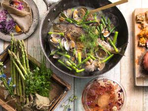 ザ レイクビュー TOYA 乃の風リゾート :【3~5月限定・春ブッフェ】レストランを華やかに彩る北海道の旬食材。心躍る春の訪れに乾杯を。