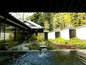葛城 北の丸:竹林庭園を望む露天風呂