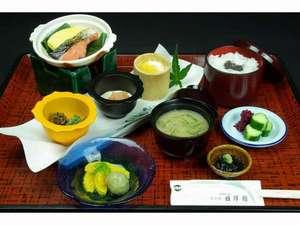 日昇館尚心亭:朝食の一例でございます。
