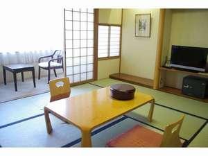 日昇館尚心亭:10畳の和室です。部屋風呂、トイレ付のお部屋です。