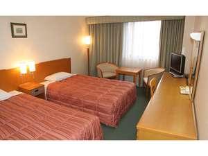 ホテルアトラス:ツインルーム(22平米)110cm~120㎝幅ベッド。