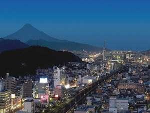 ホテルセンチュリー静岡:ホテル自慢の夜景・眺望をお楽しみください。東側のお部屋からは富士山もご覧いただけます。