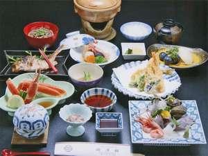 湖月館:季節感のあるお料理を心がけております。新鮮な旬の食材に勝るものはございません。