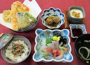 スパ・アルプス:スパアルプス名物『アルプス御膳』は季節のお造り、天ぷらが付いて980円!
