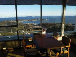 壮観絶景 三河湾 グリーンホテル三ヶ根:多くのお客様から「すばらしい!」と喜んでもらっている当館からの景色です(喫茶カレントより)