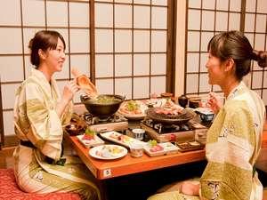 白水温泉 竹の倉山荘: 【夕食】二人でも好みで別々のコースも選べる。人気のプラン★お食事処【竹の倉】