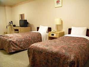 くっちゃん温泉 ホテルようてい:お二人でもゆっくりとお寛ぎできるお部屋となっております。(バス・トイレ付)