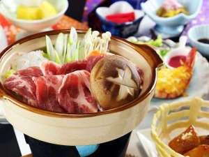 民宿旅館 二宮荘:ご当地仙台牛♪ごはんはおかわり自由です!