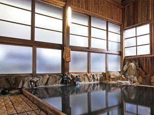旅館あづまや:槙づくりの大浴場