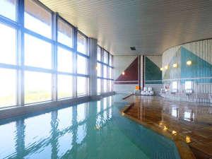 白峰温泉 ニューサンピア坂出:瀬戸大橋と坂出市街の景色を眼下に望む天然温泉大浴場