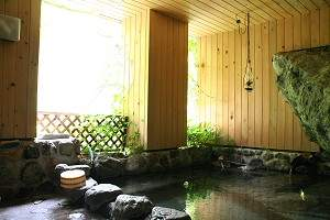 名剣温泉:源泉掛け流し貸切半露天風呂