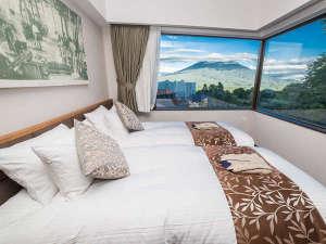木ニセコ:1ベッドルームデラックス-ヨウテイビューのお部屋からは、壮大な羊蹄山が一望できます。
