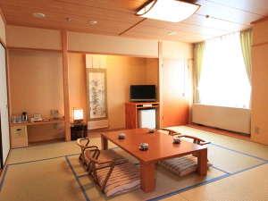 広島市文化交流会館(旧ウェルシ...
