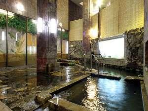 旅館金時:【大浴場】24時間源泉掛け流しの湯が溢れる大浴場。好きなときにゆっくりと湯浴みをお愉しみ下さい/風呂例