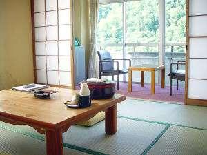 さかい温泉さゆり荘:日本の昔ながらの風景と四季様々な景観を存分にご堪能ください。