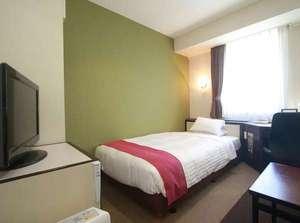 福岡サンパレス ホテル&ホール:シングルルーム(ベッドサイズはセミダブルです)