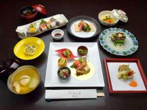 かいひん荘鎌倉:*【ご夕食・季節の懐石料理】ご夕食は、お部屋にてごゆっくりお召し上がりください。