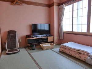 温泉の宿 ホテルニューモンド:セパレートタイプのバストイレ洗面所+踏込み+和室6畳間 2名様利用時