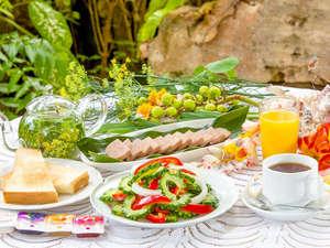 ホテル 花と緑のみずほ石垣島:*ゴーヤチャンプルをはじめとした健康的な朝食で1日のスタート!