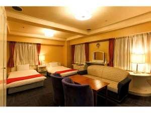ホテル ブーゲンビリア新宿(旧 ラガール・ドゥ・ラヴィー新宿):和洋室ロイヤルルーム