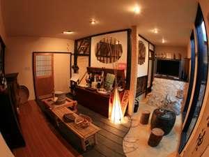 民宿旅館 里のやど 川尻:【ロビー】ふれあいのロビーでは井戸水コーヒーも飲める
