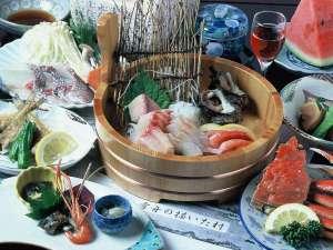 民宿旅館 里のやど 川尻:店主が釣って来た鮮魚が堪能できる桶盛付きの里会席プラン/例