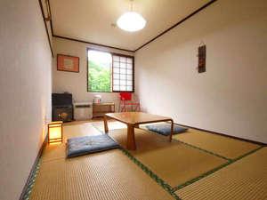 大釜温泉:【和室】足を伸ばしてごゆっくりお寛ぎください。