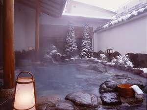 鹿教湯温泉 鹿乃屋旅館:冬季は、雪見露天になる事も。