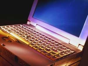 ホテル パレス名古屋:インターネットはWiFiも無料で利用OK。お部屋での有線LANもご利用いただけます。