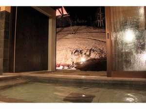 奈良県吉野山 太鼓判:半露天風呂の女子風呂