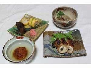 奈良県吉野山 太鼓判:奈良県産の料理地鳥の山椒焼き、他