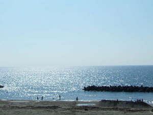 湯野浜温泉 うしお荘:*当館から眺める日本海の景色。朝陽に光る海を見ながらお散歩しませんか?