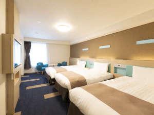 コンフォートホテル神戸三宮:◆ファミリールーム◆29平米◆ベッド幅122cm×2台◆大人3名ご利用の場合110cm幅×1台追加◆