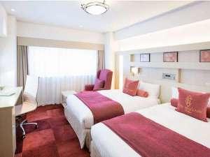 ホテルベルクラシック東京:【ツインルーム】明るく可愛らしいお色で女性・カップルに人気のお部屋です。