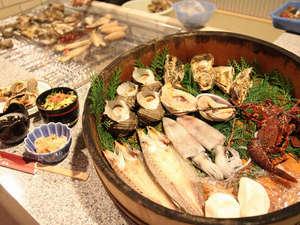 魚の栖(すみか)  網元 丸仙:国崎かまどプラン。なるべく地元の食材を使用。自家製干物やお餅、大女将 特製の漬物も好評♪