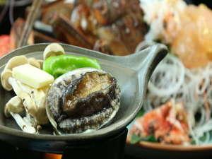 海味料理 マルトラ別館:コリコリとした歯ごたえが特徴のアワビ♪