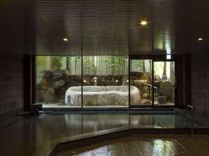旅館 吉田屋:2015.7月にオープンした、露天風呂付き大浴場「熊野湯」。