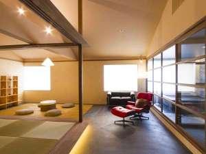 旅館 吉田屋:黒御影石風呂を設けた和室「譲葉」yuzuriha